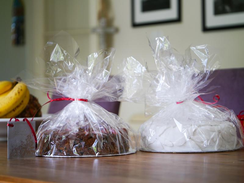 Christmas cakes-1040802