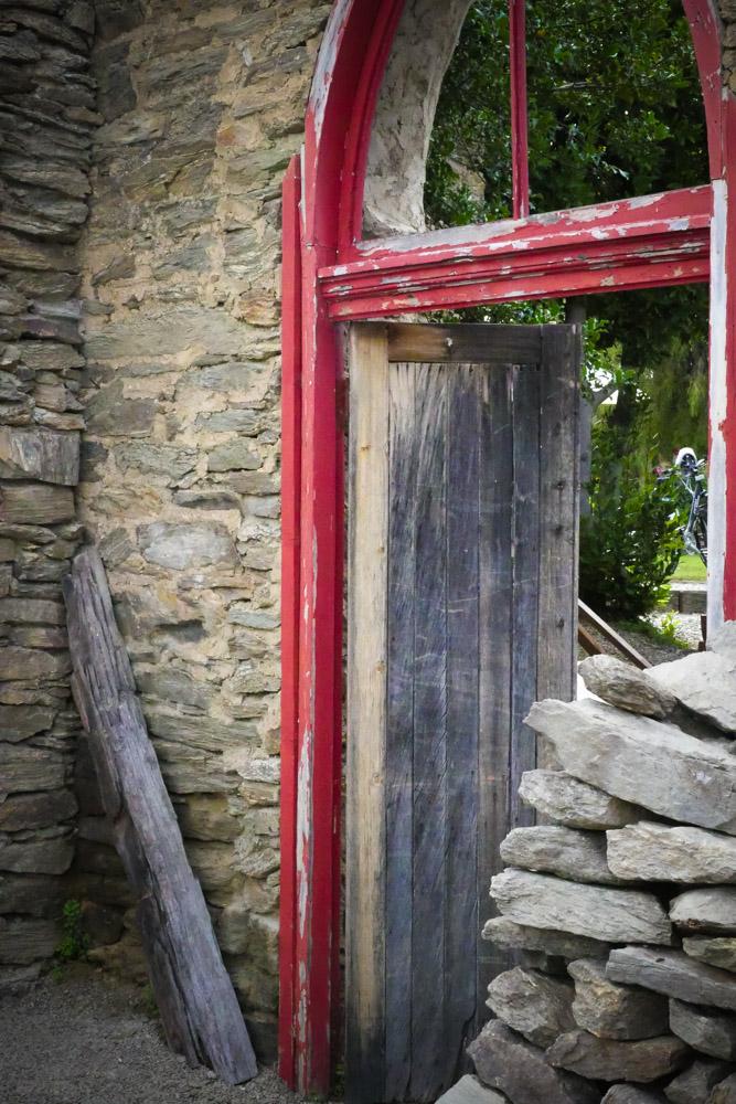 Red door Clyde-1210472